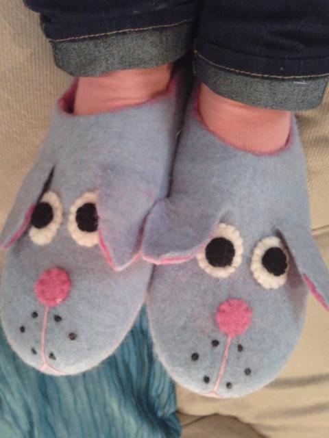 Felt_dog_slippers-2